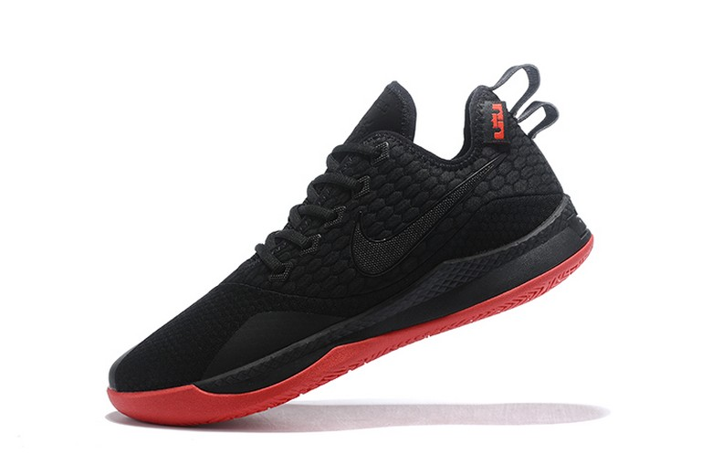 "Nike LeBron James Witness 3 ""Bred"" Mens Basketball Shoes"